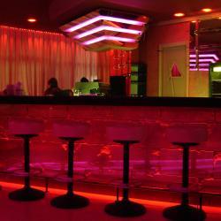 Светодиодное интерьерное освещение в ночном клубе